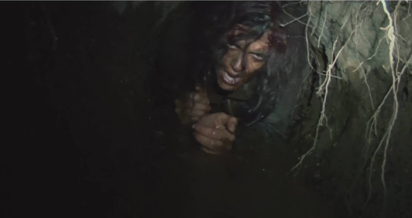 the blair witch project trailer Still, the blair witch project provided only ever-so-slight information on the legend that haunted the forest, so you'll want this cleverly constructed mock documentary to supplement your knowledge of the film.