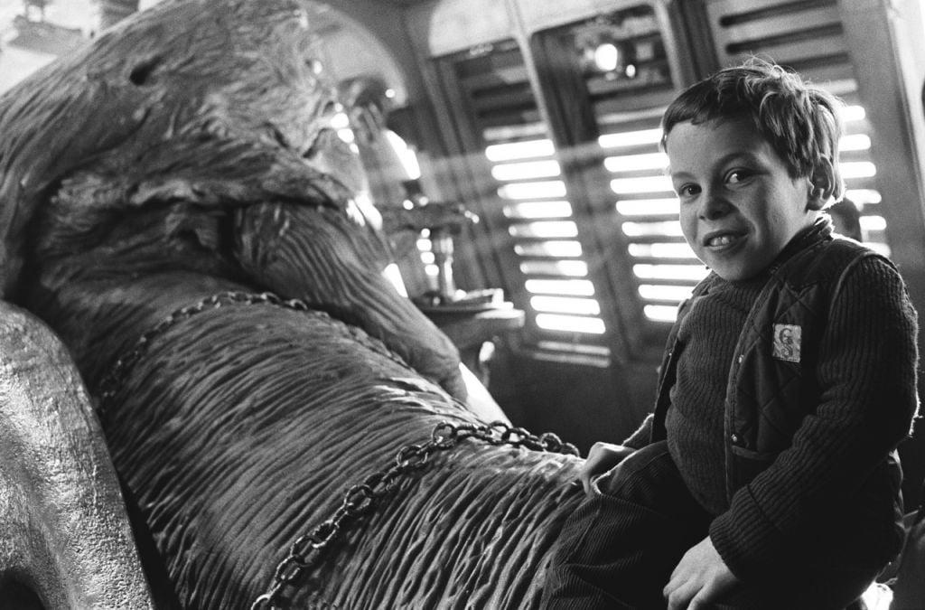 Warwick Davis on Set of Return of the Jedi