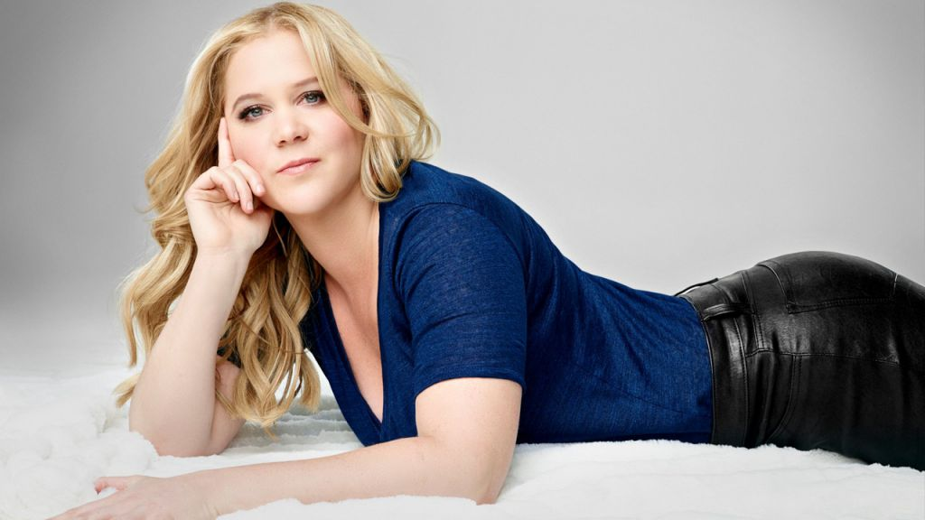 Amy Schumer Backtracks USA Departure Pledge