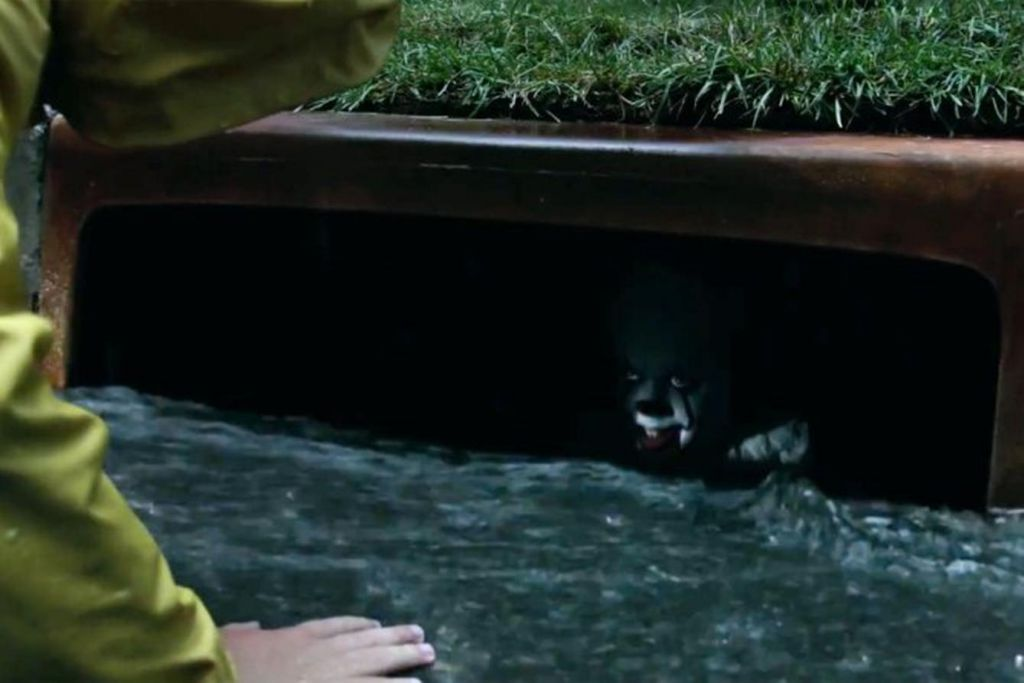 It Pennywise Drain Scene
