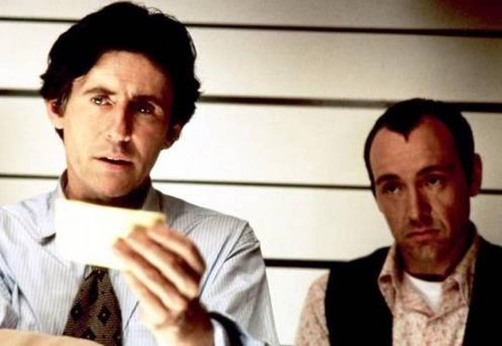 Gabriel Byrne and Kevin Spacey in Usual Suspects