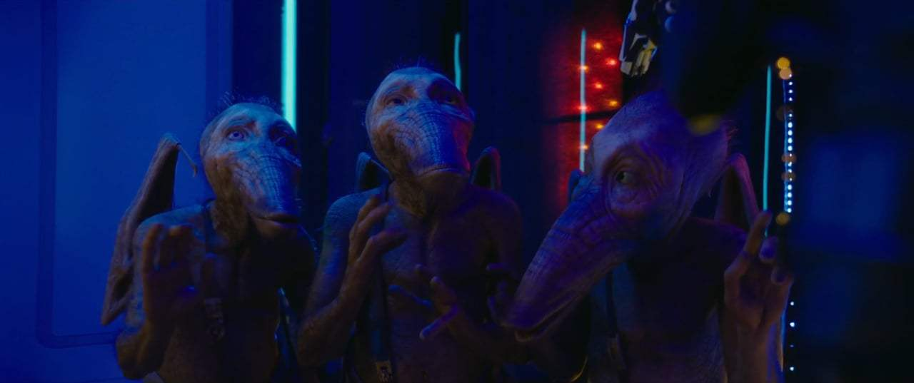 Valerian and the City of a Thousand Planets (2017) - You've Never Met A Woman Screen Capture #2