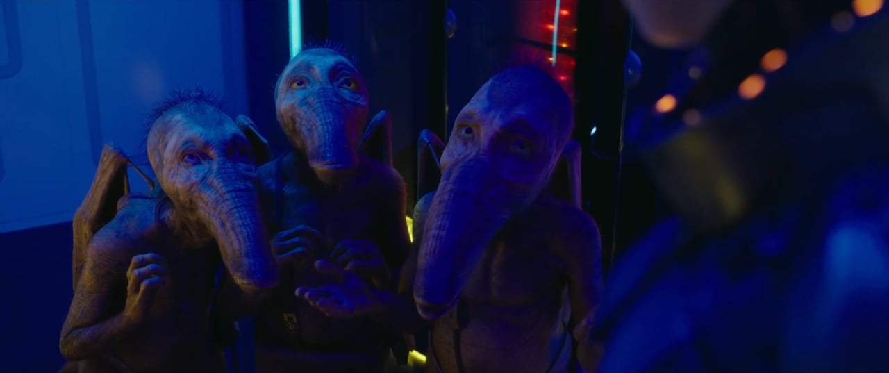 Valerian and the City of a Thousand Planets (2017) - You've Never Met A Woman Screen Capture #4