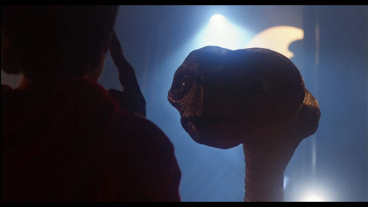 E.T.: The Extra-Terrestrial 4K Trailer (1982) Screen Capture #3