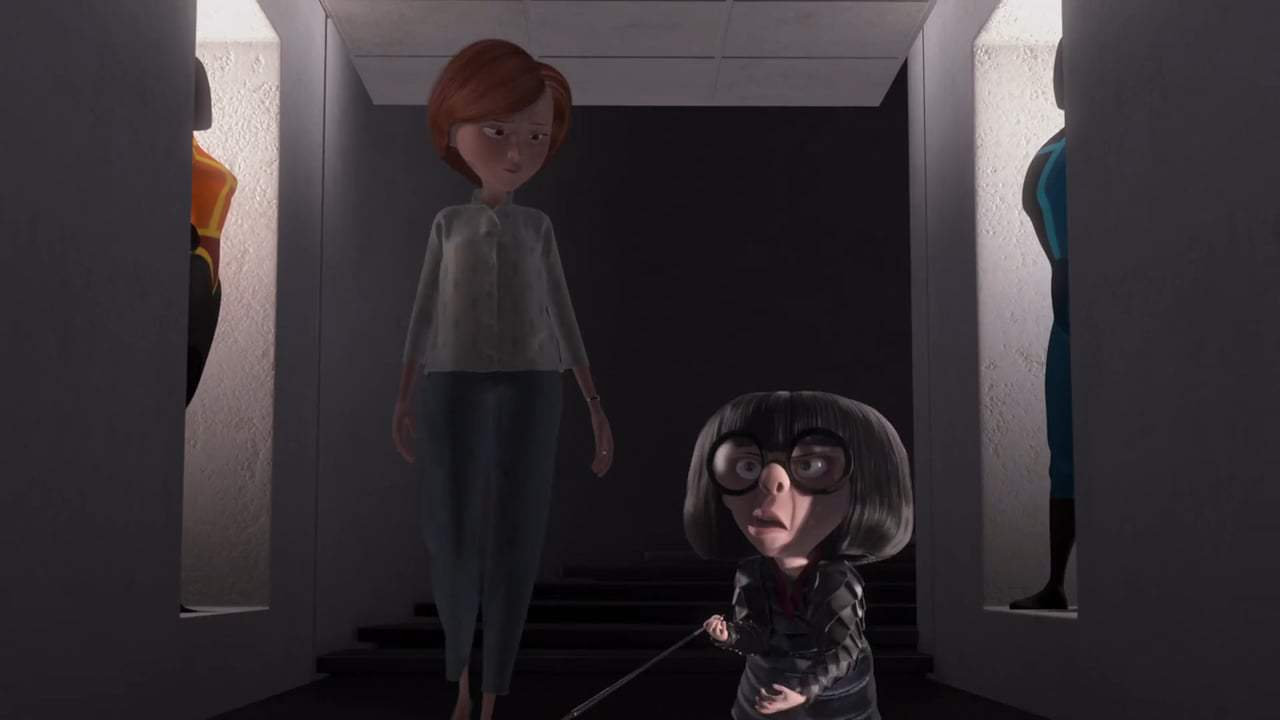 The Incredibles Viral - Edna Mode Retrospective (2004) Screen Capture #3