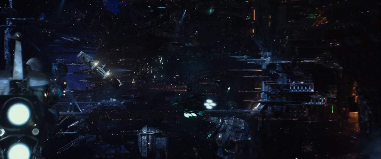 Valerian and the City of a Thousand Planets TV Spot - Standout (2017) Screen Capture #4