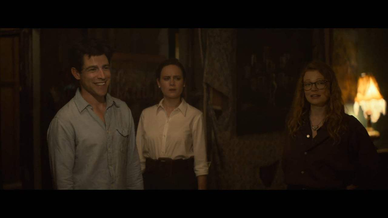 The Glass Castle (2017) - Arm Wrestle Screen Capture #1