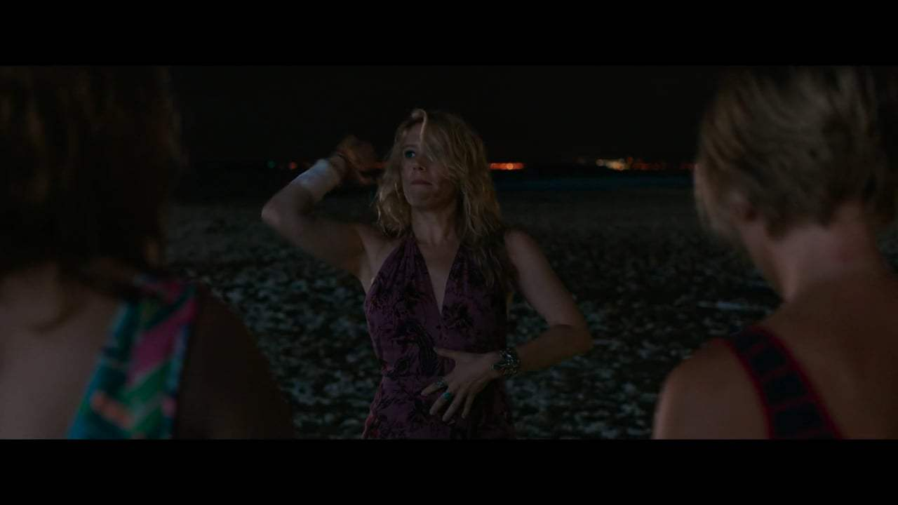 Rough Night Viral - Pippa's Beach Landing (2017) Screen Capture #2