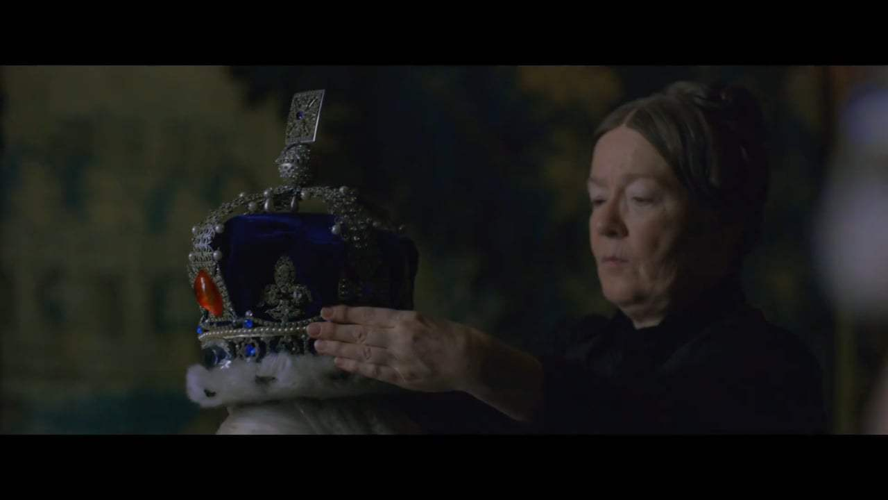 Victoria and Abdul Featurette - Long Live The Queen (2017) Screen Capture #2