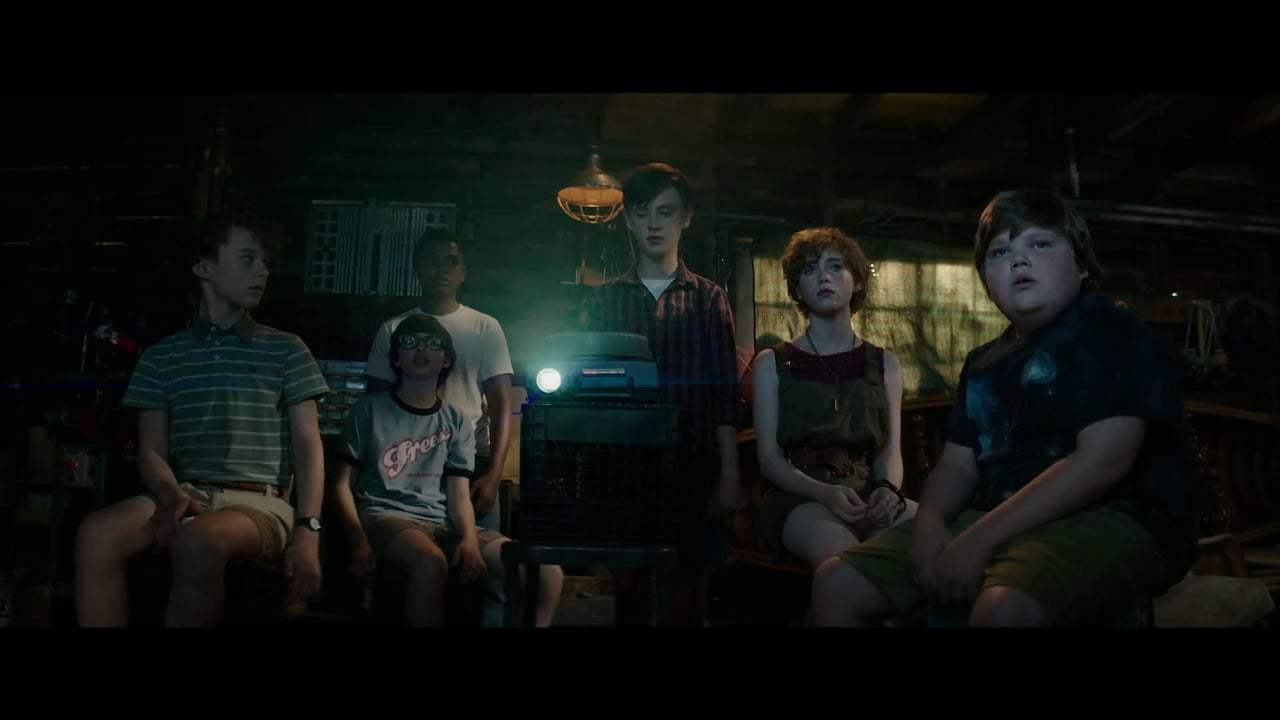 It Featurette - Pennywise (2017) Screen Capture #3