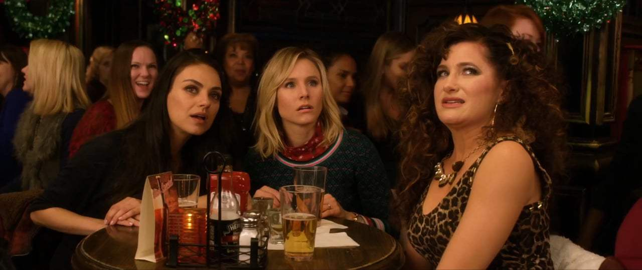 A Bad Mom's Christmas (2017) - First Date With Santa Number 2 Screen Capture #2
