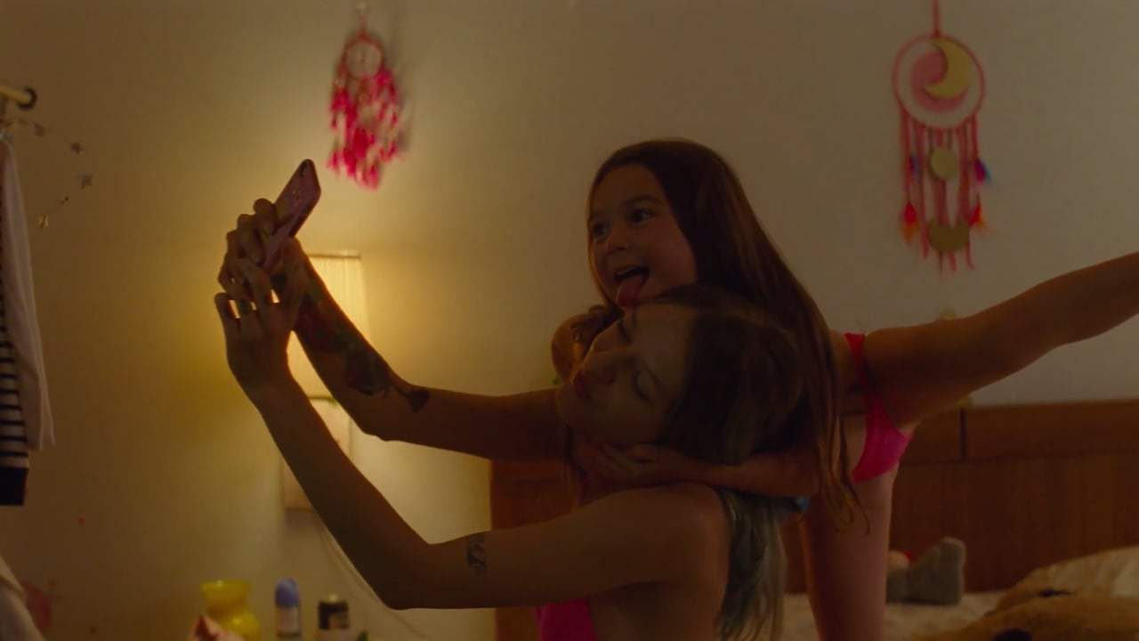 The Florida Project Featurette - The Cast (2018) Screen Capture #3