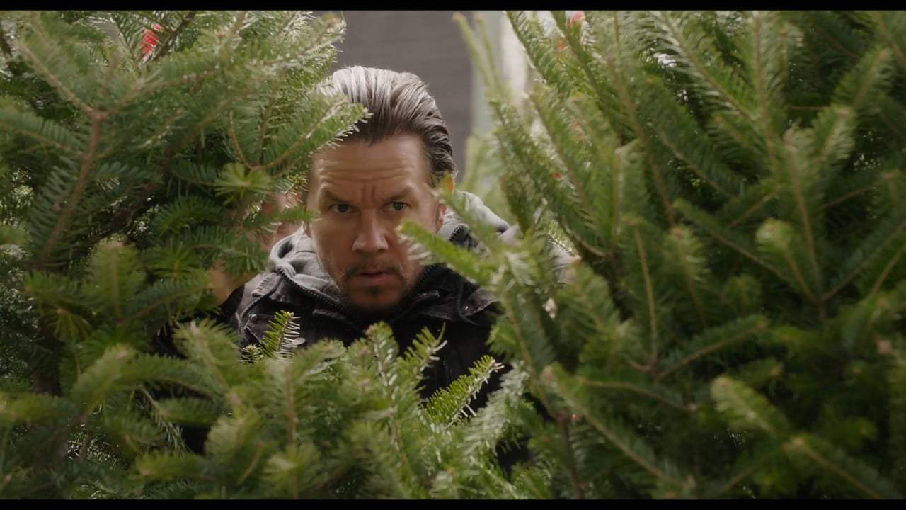 Daddy's Home 2 Holiday Trailer (2017) Screen Capture #2