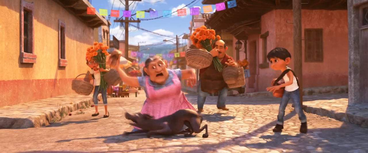 Coco Feature Trailer (2017) Screen Capture #4