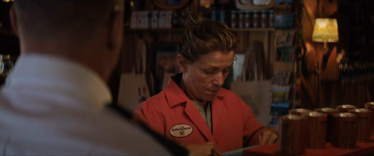 Three Billboards Outside Ebbing, Missouri (2017) - Dentist Screen Capture #1