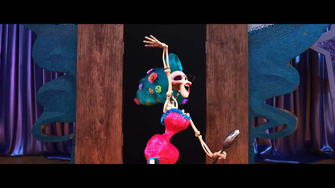Coco (2017) - Battle of the Bands Screen Capture #1
