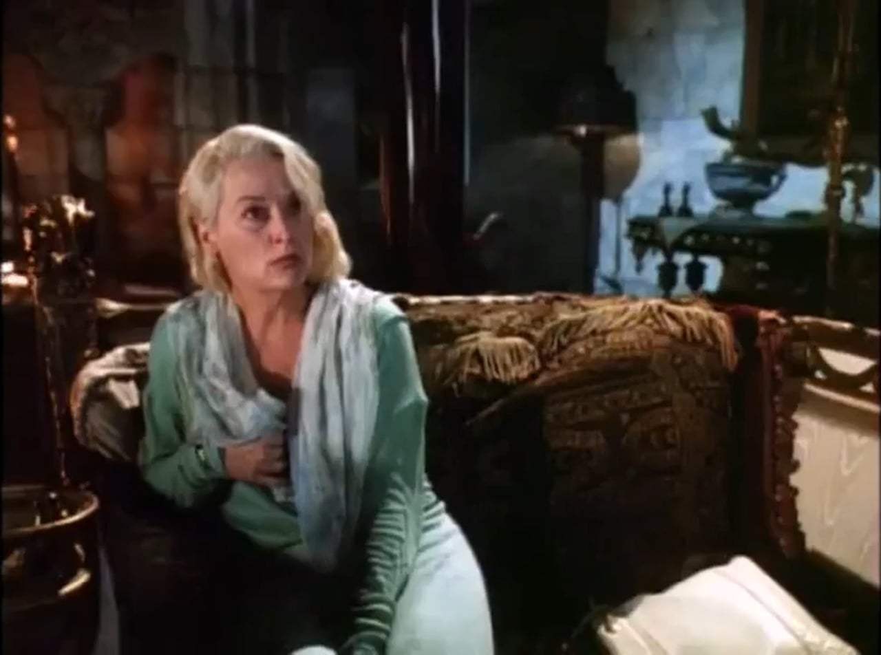 Death Becomes Her Trailer (1992) Screen Capture #2