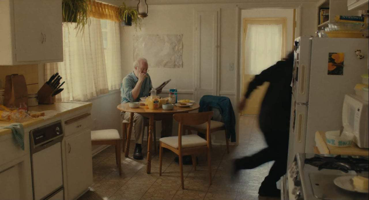 Lady Bird (2017) - Family Breakfast Screen Capture #4