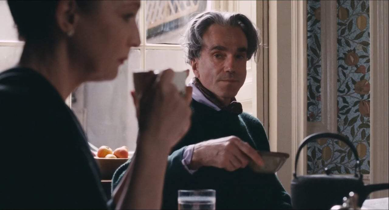 Phantom Thread (2017) - Don't Pick A Fight Screen Capture #4