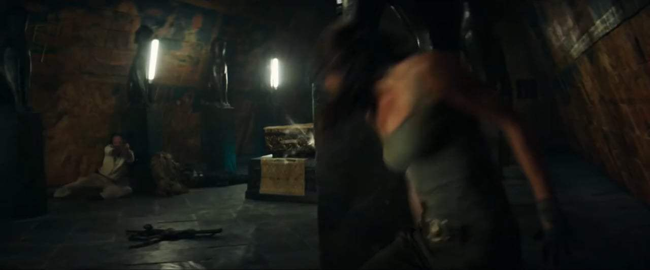 Tomb Raider Feature Trailer (2018) Screen Capture #4