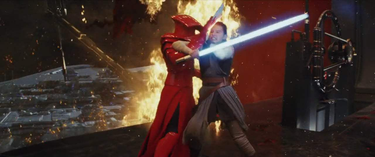 Star Wars: Episode VIII - The Last Jedi (2017) - Throne Room Battle Screen Capture #3