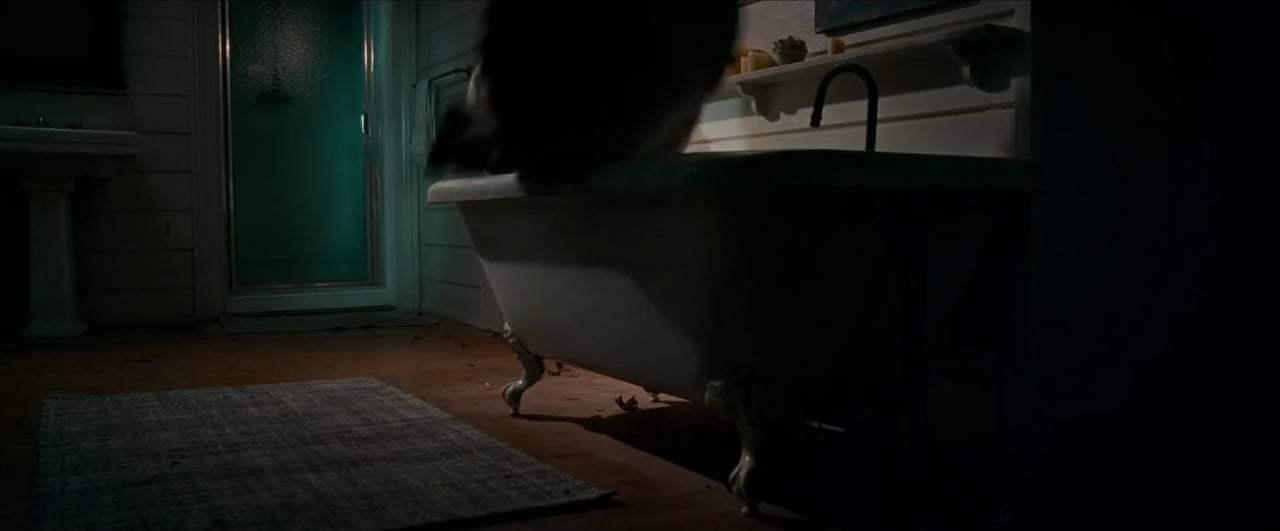 A Quiet Place (2018) - Bathtub Screen Capture #2