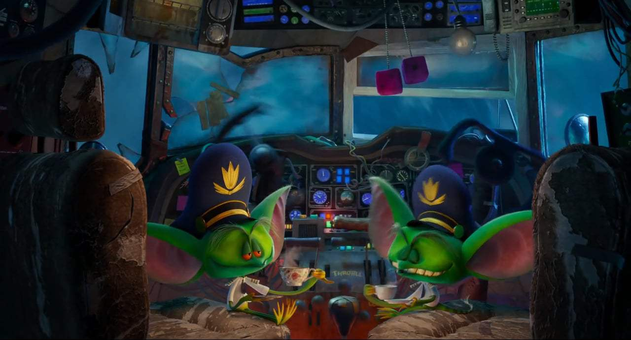 Hotel Transylvania 3: Summer Vacation (2018) - Gremlin Air Screen Capture #4