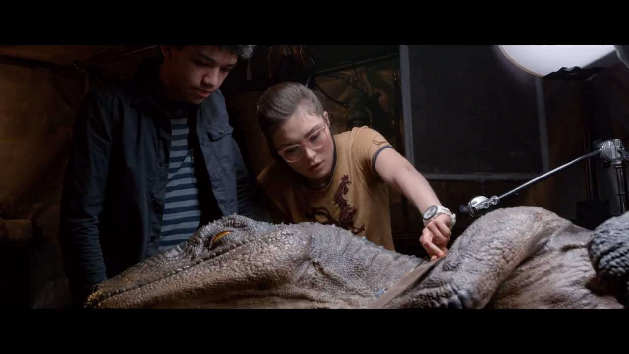 Jurassic World: Fallen Kingdom Featurette - More Dinosaurs Than Ever (2018) Screen Capture #3