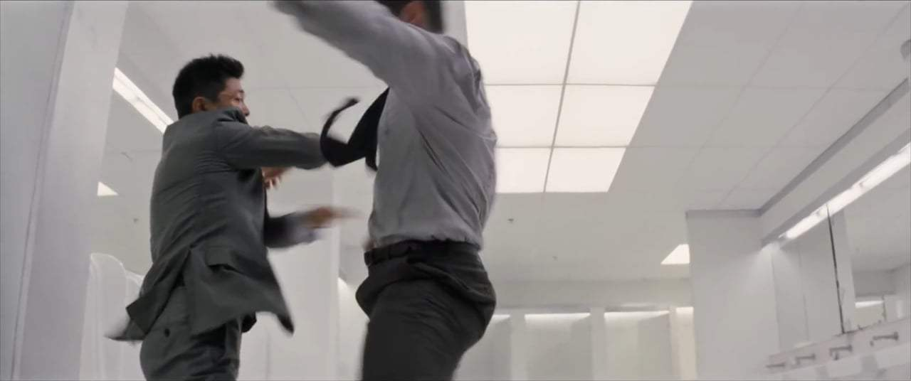 Mission: Impossible - Fallout (2018) - Bathroom Fight Screen Capture #4