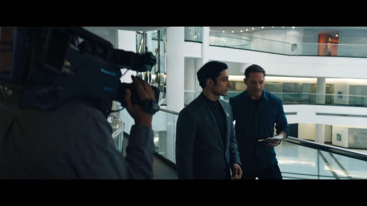 Venom (2018) - Ambushing Drake Screen Capture #1
