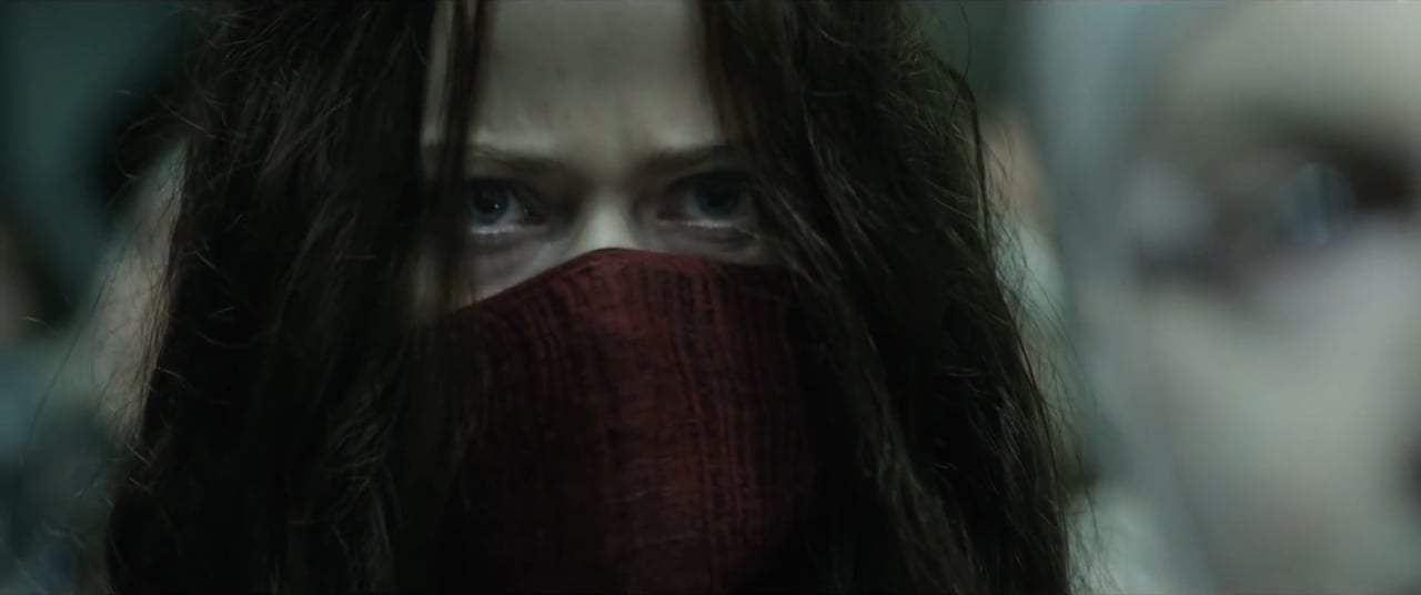 Mortal Engines Featurette - Hester Shaw (2018) Screen Capture #2