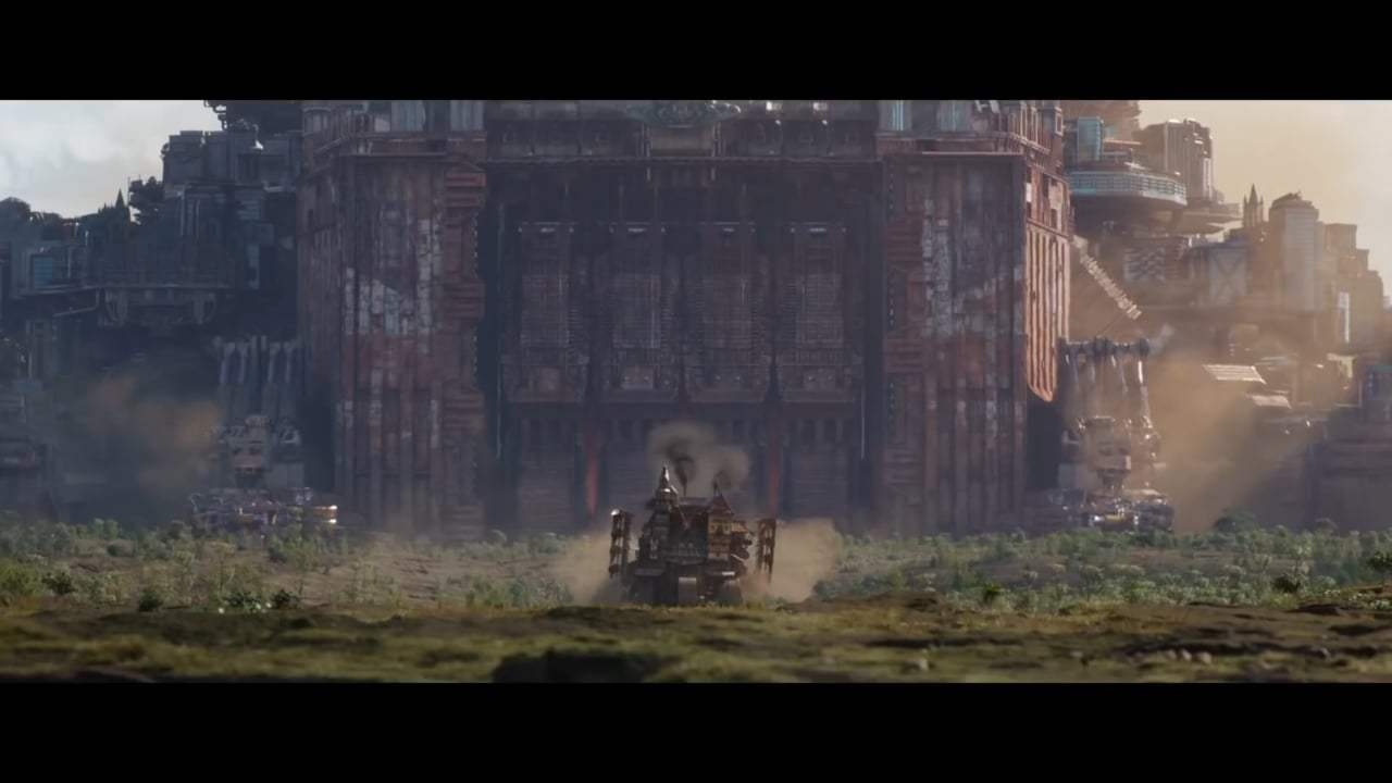 Mortal Engines Featurette - Moving Cities (2018) Screen Capture #1