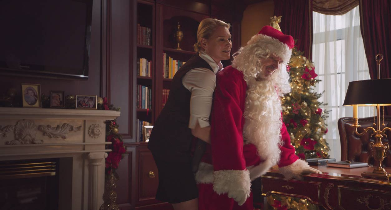 Bad Santa Red Band Trailer Screenshot 2