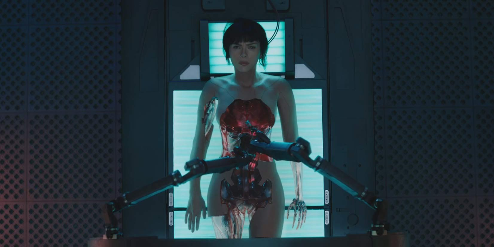 Ghost in the Shell Theatrical Trailer (2017)