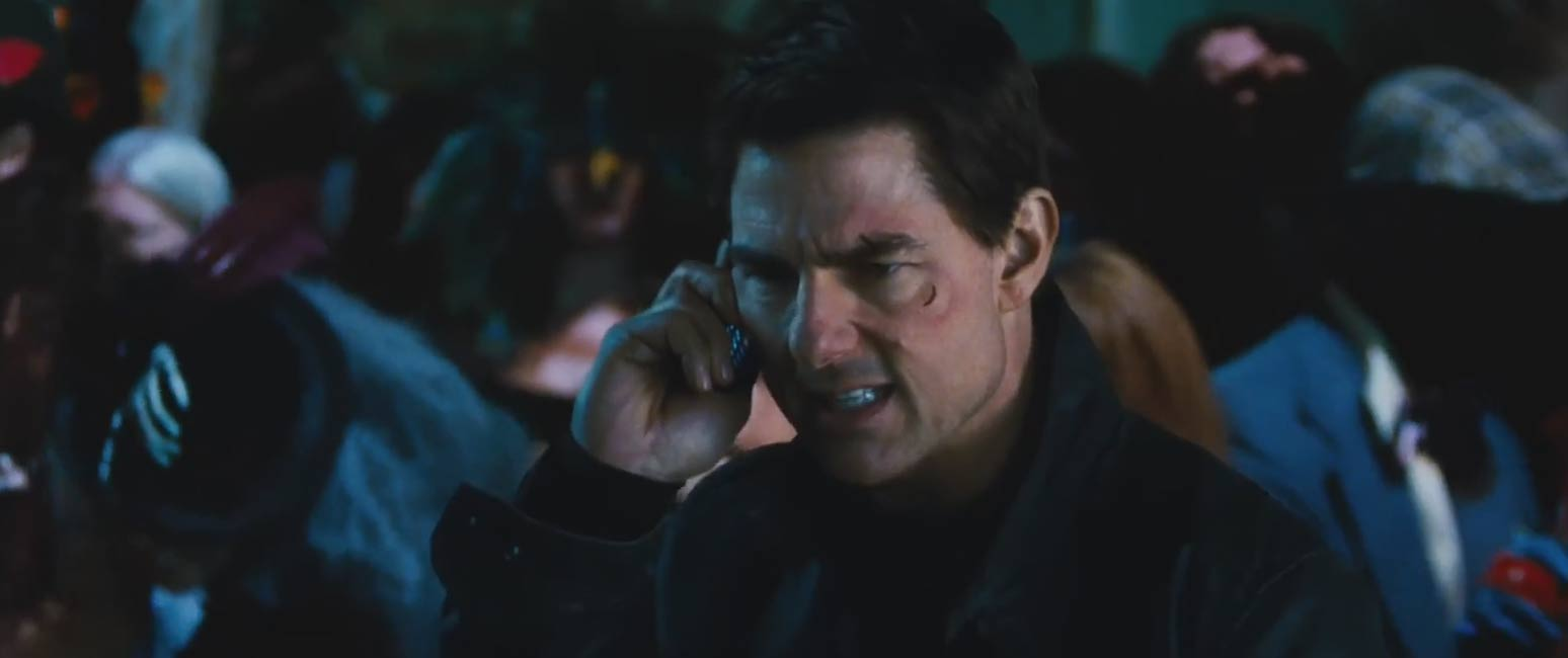 Jack Reacher Never Go Back - Theatrical Trailer Screencap 2