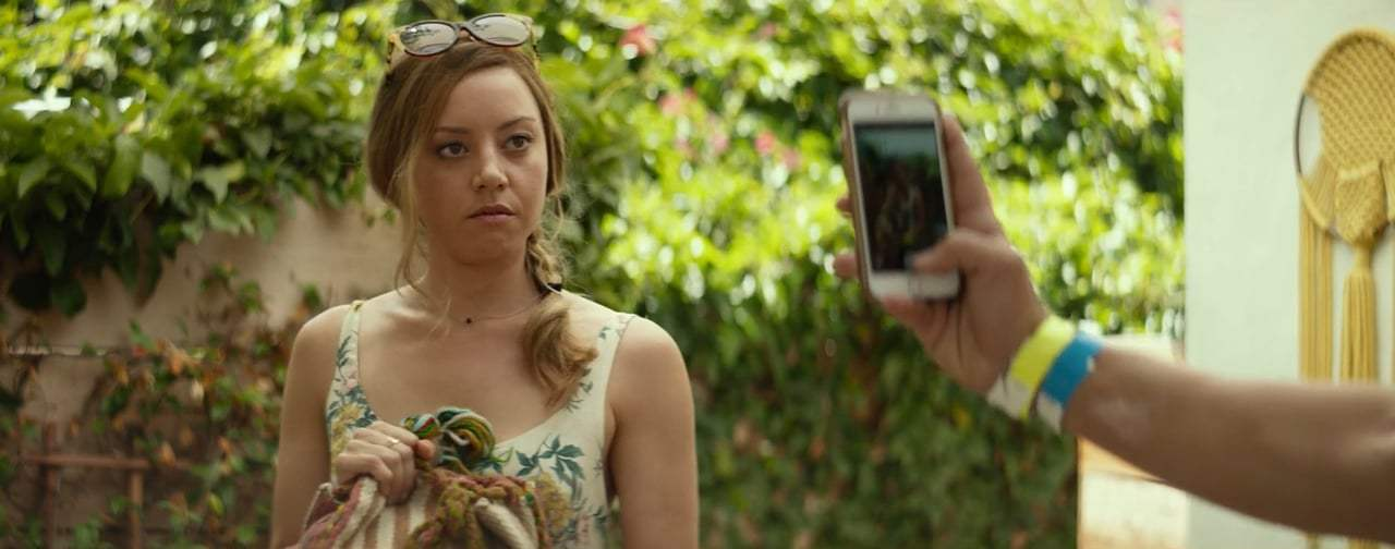 Ingrid Goes West Red Band Trailer (2017)
