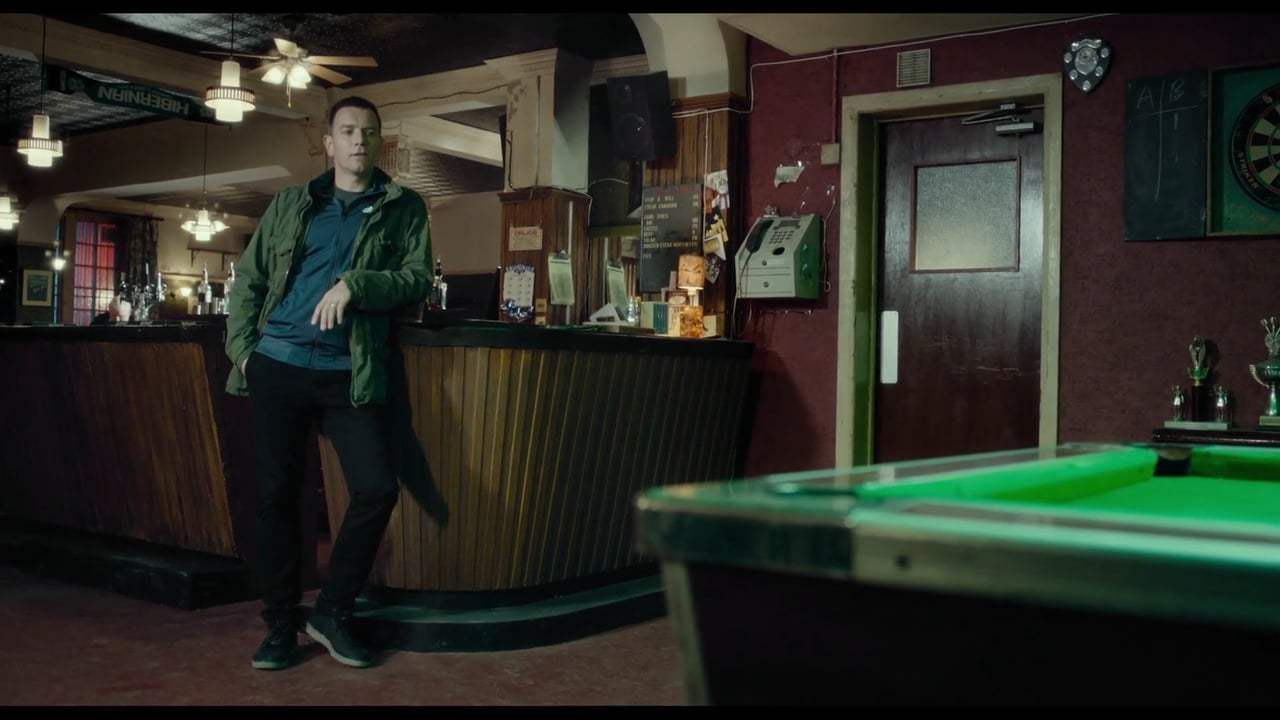 T2: Trainspotting (2017) - Sunshine Pub Reunion