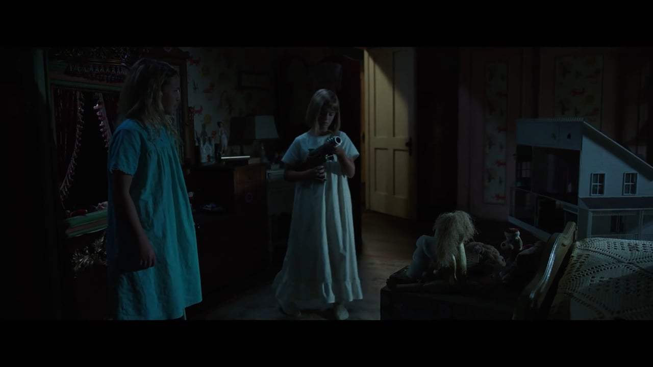 Annabelle: Creation (2017) - I Think She Died