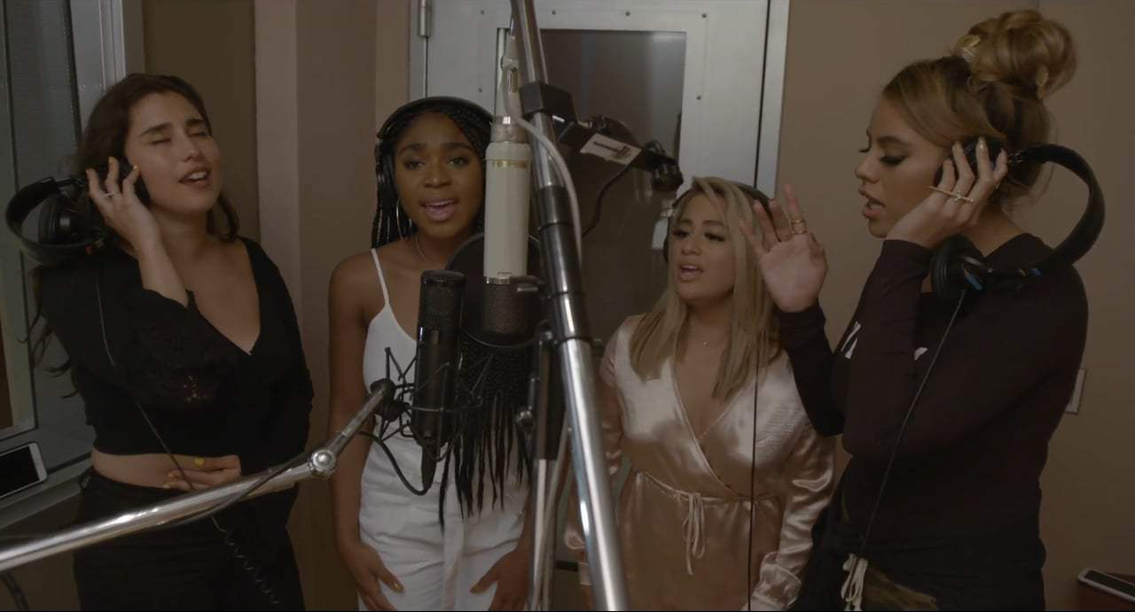The Star Featurette - Fifth Harmony (2017)