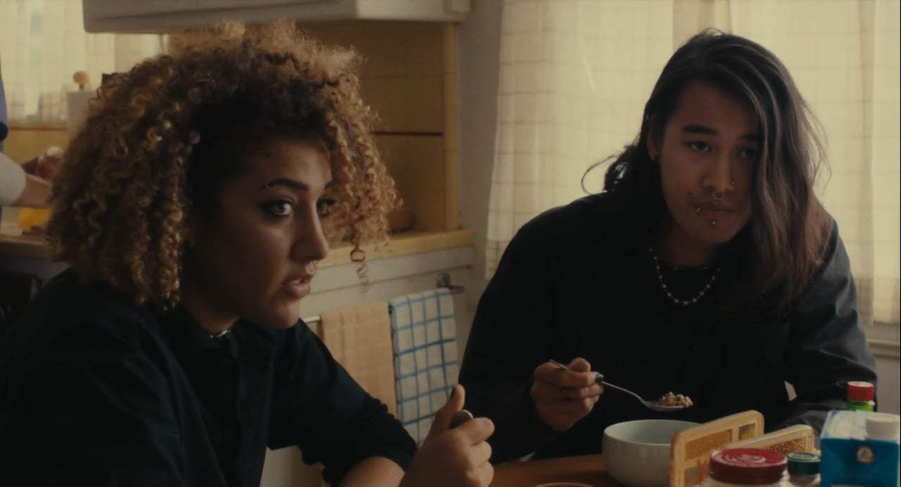 Lady Bird (2017) - Family Breakfast