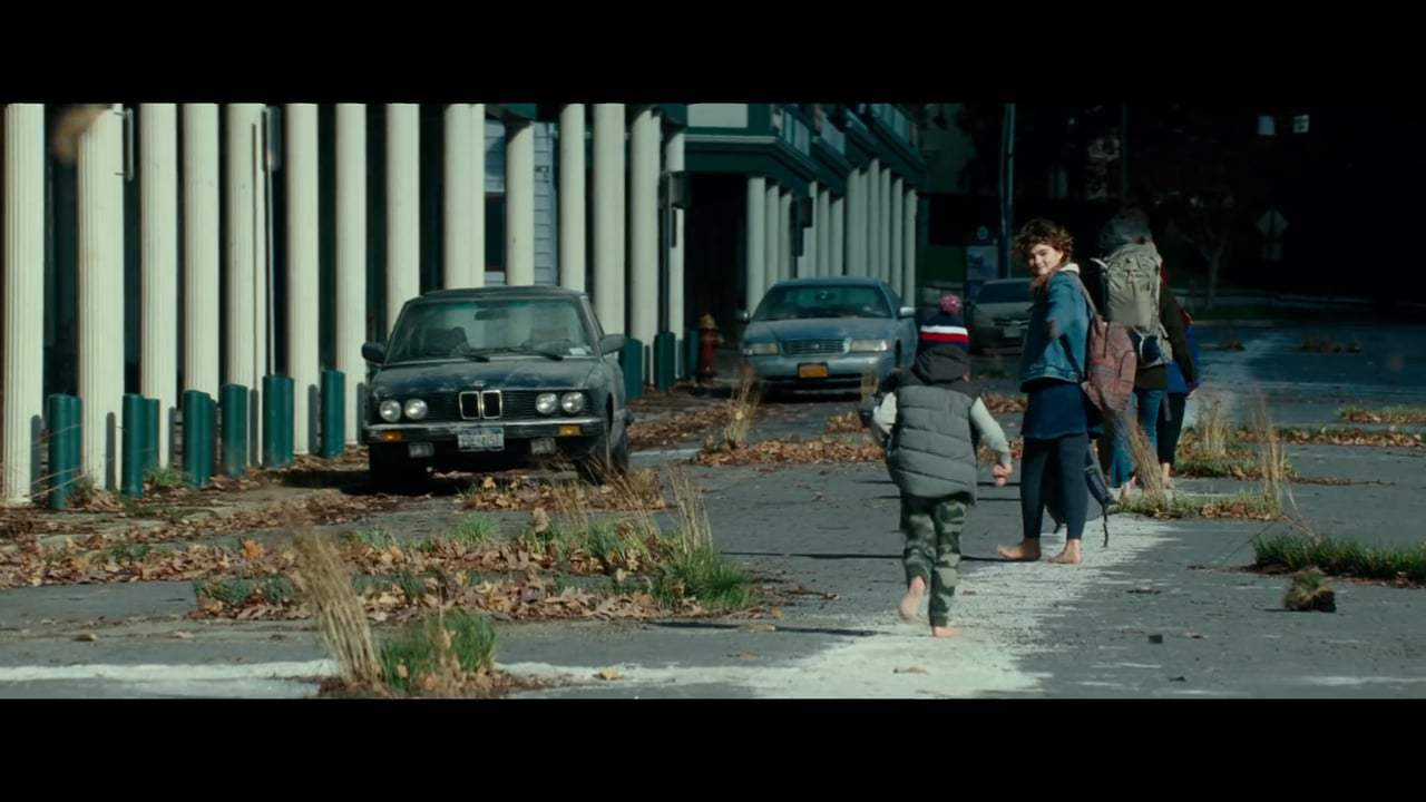 A Quiet Place Theatrical Trailer (2018)